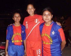 4.- Pierina miembro de la selección Nacional Femenina de Futbol de visita a Piura 2015 (1)