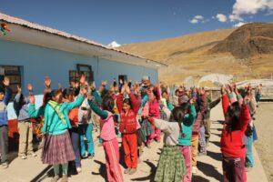 Niños y niñas en Yanacancha